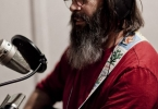 steve-earle-at-the-mic-7